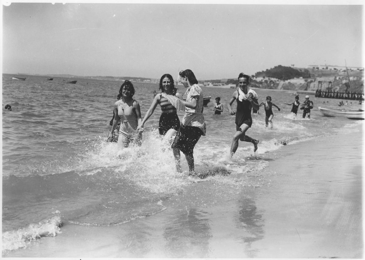 Na plaży Cruz Quebrada, Cruz Quebrada, 1940