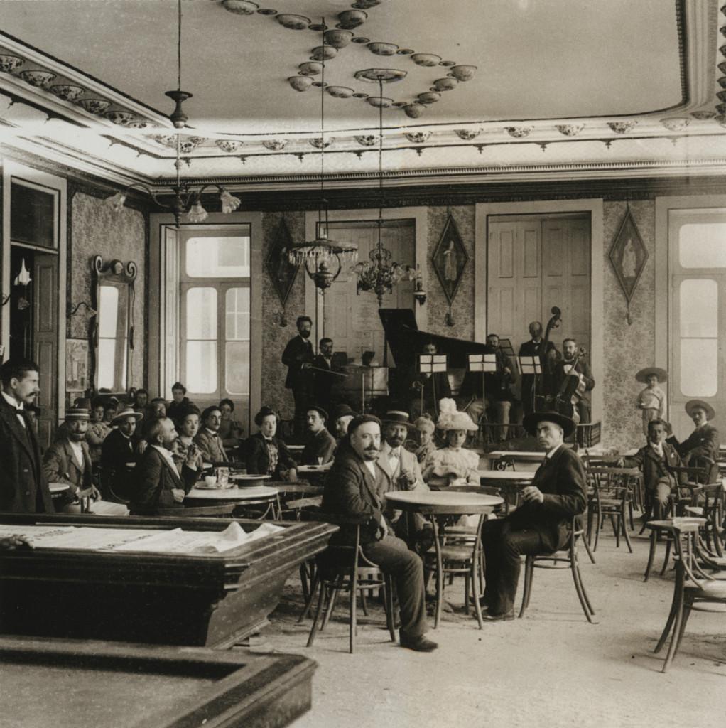 Wnętrze kawiarni, Espinho, 1910